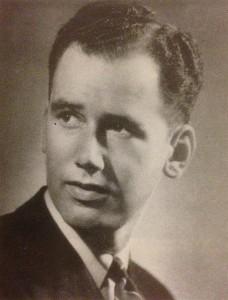 Bill Moore, legendary Chinouard instructor.